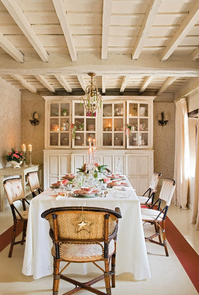 Christmas Dining Room Ideas. Christmas Decor. Dining Room. #DiningRoom #Christmas