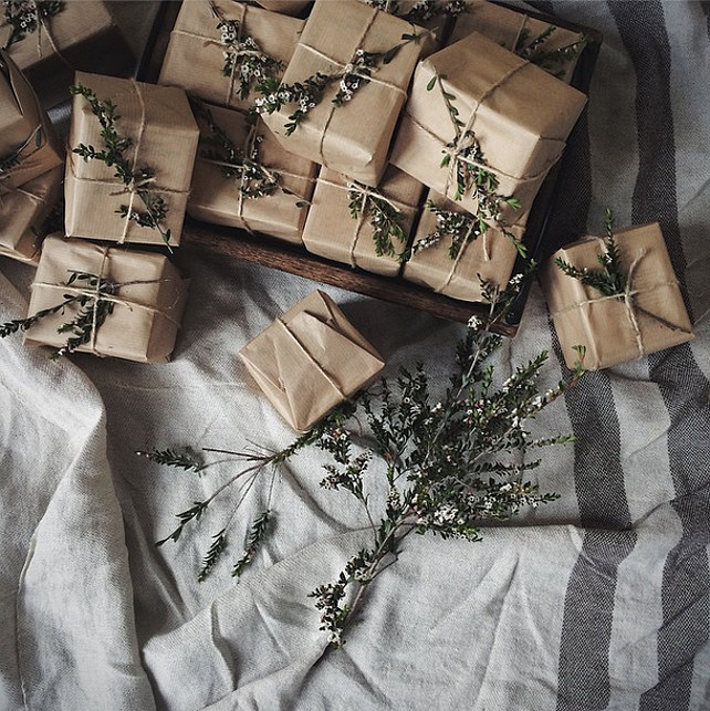 Christmas Gift Wrapping Ideas. #ChristmasGiftWrapping Via Bread & Olives.