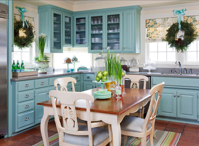 Interior design ideas relating to christmas decor home bunch for Christmas decorating ideas for kitchen cabinets