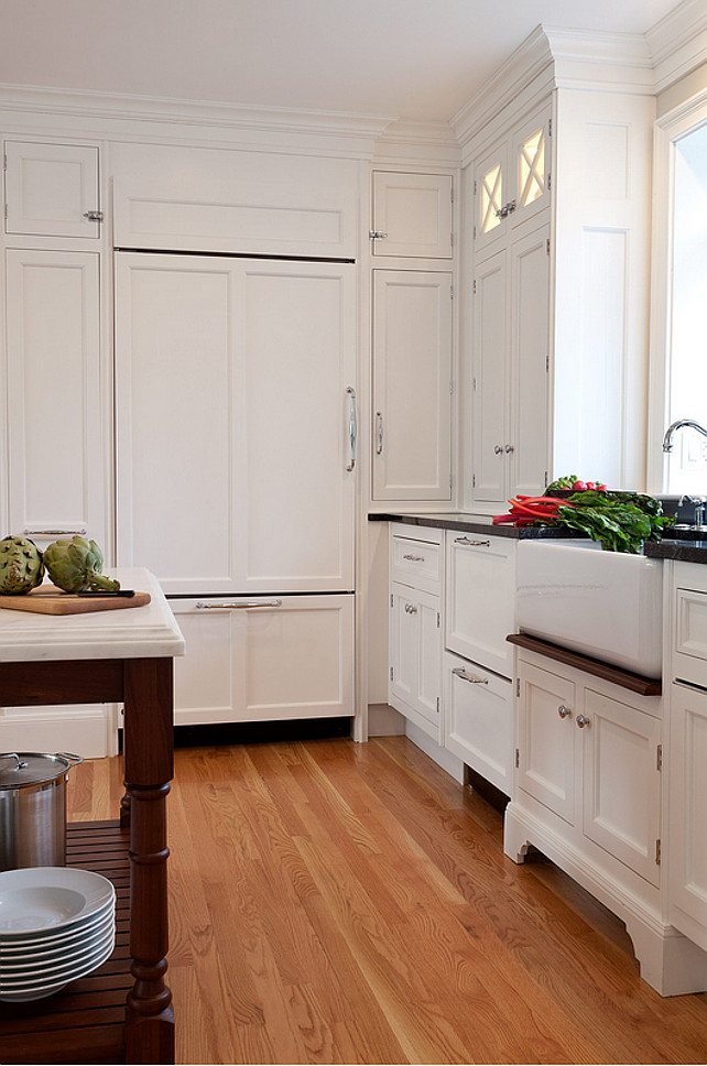 Classic Christopher Peacock cabinetry kitchen design. #ChristopherPeacock #Kitchen #cabinetry Dalia Kitchen Design