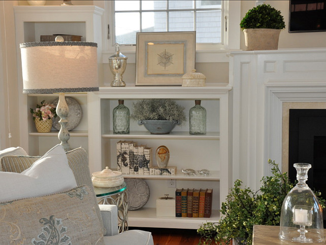 Coastal Decor. Easy ways to decorate a built in with coastal decor. #CoastalDecor