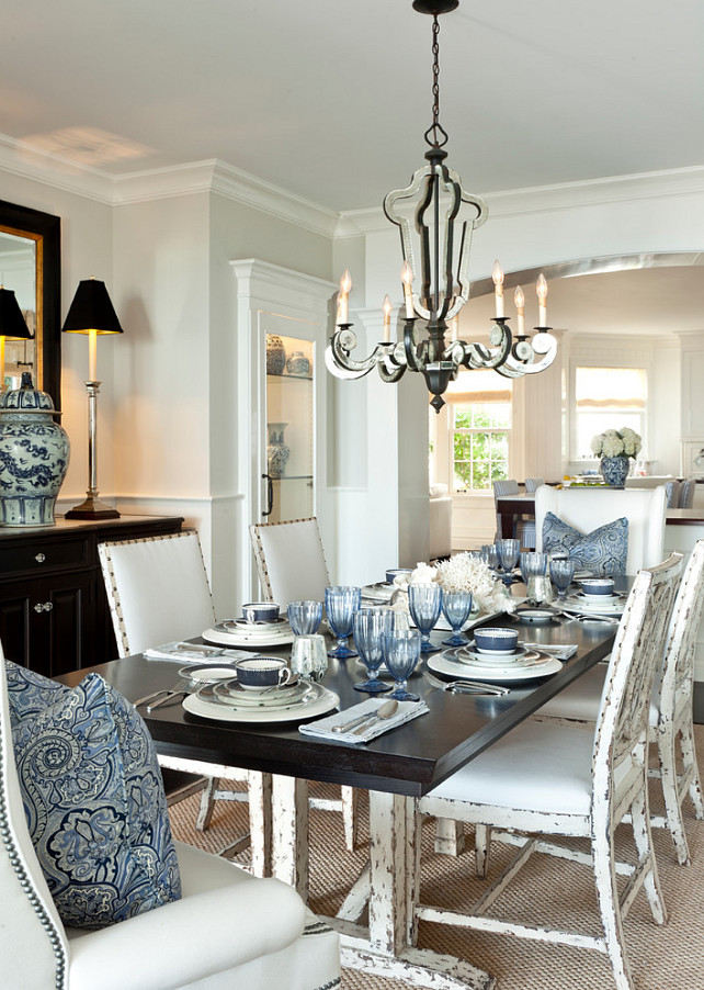 Coastal Dining Room. Dining Room with coastal decor. Blue and white coastal dining room. Blue and white motiff. Coastal Blue and white Dining Room. #DiningRoom #CoastalDiningRoom