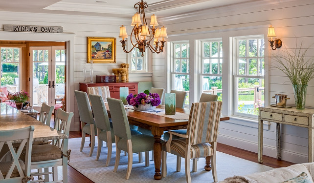Coastal Dining room with turquoise decor. #DiningRoom #Coastal Polhemus Savery DaSilva Architects Builders.