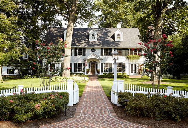Colonial Style Home. Traditional Colonial Style Home. #TraditionalColonial #ColonialStyleHome #ColonialHome Jules Duffy Designs.