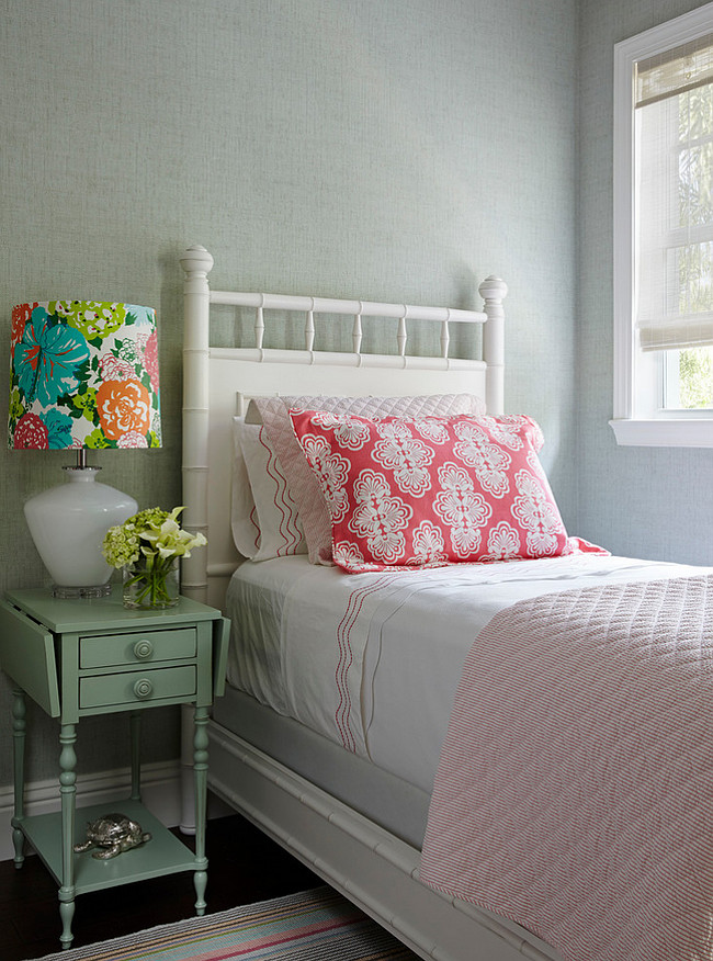 Cottage Bedroom. Guest Cottage Bedroom Ideas. Guest Cottage Bedroom Design. Small Guest Cottage Bedroom. Guest Cottage Bedroom with vintade furniture. #GuestBedroom #Cottage #Bedroom JMA Interior Design.