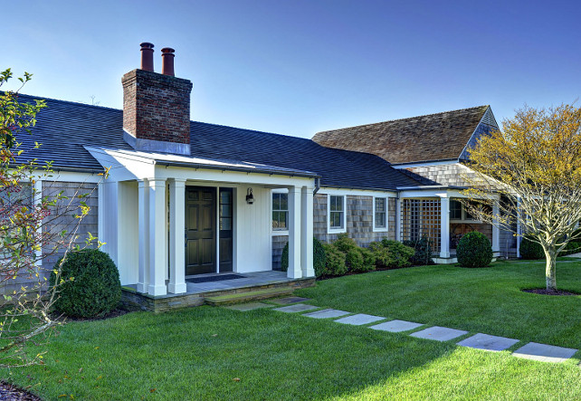 Ranch cottage with transitional coastal interiors home for Coastal ranch house plans