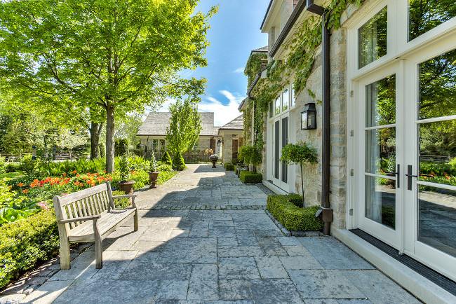 Country home backyard. Country home backyard landscaping. Country home backyard patio. Country home backyard patio doors. #Countryhome #backyard Sotheby's Canada.