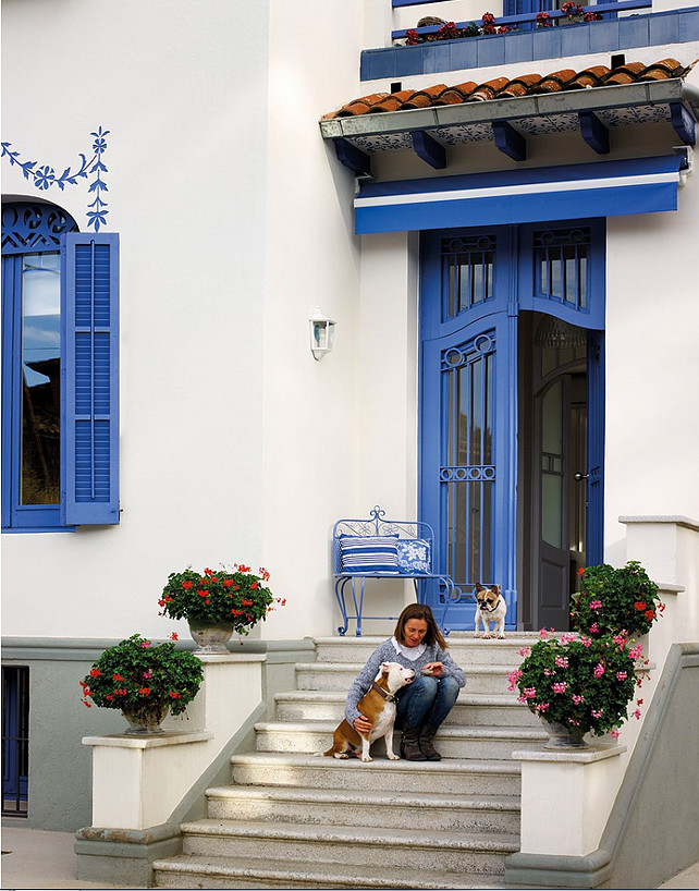 Curb-appeal. Exterior Paint Color Ideas. Exterior Decor Ideas. Home Exteriors.