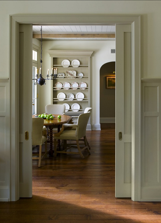 Dining Room. Dining Room Ideas. Classic dining room with timeless decor. #DiningRoom #DiningRoom Ideas #DiningRoomDecor #FurnitureLayout