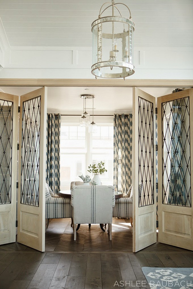 Beach house with neutral color palette home bunch for Dining room ideas with french doors