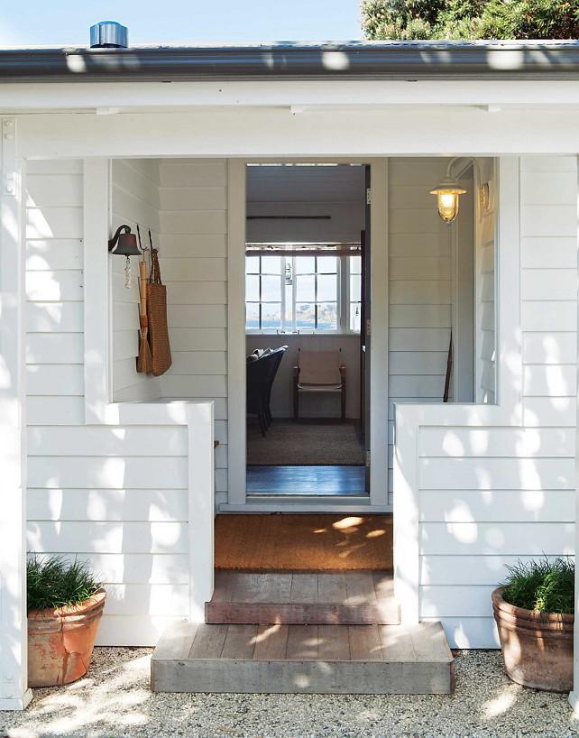 New zealand beach cottage home bunch interior design ideas for Front door housing new zealand