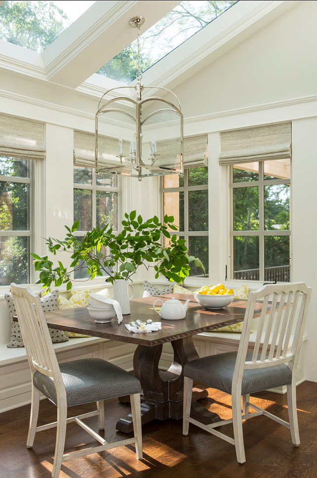 Traditional home with transitional interiors home bunch interior design ideas - Sunroom dining room ...