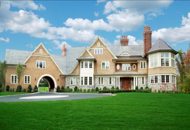 Exterior Home Ideas. Beautiful shingle house with port cochere. #ExteriorHomes #ShingleHomes #PortCochere Via Sotheby's Homes.
