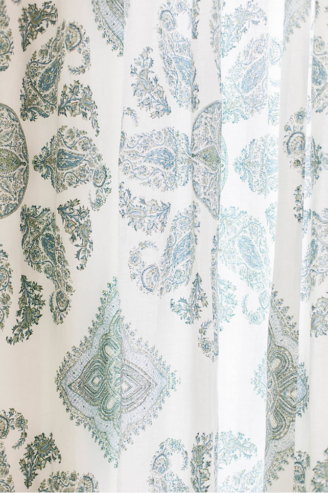 Fabric Ideas. Drapery Fabrics. Light drapery fabric. #Draperyfabric #Fabric #Drapery Ashley Winn Design.