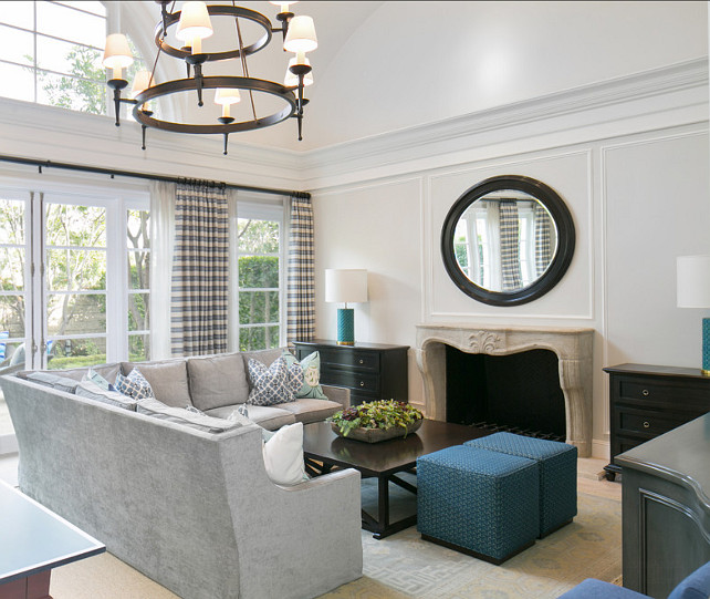 Living Room Inspiration For Big Families: Home With Classic Blue & White Interiors