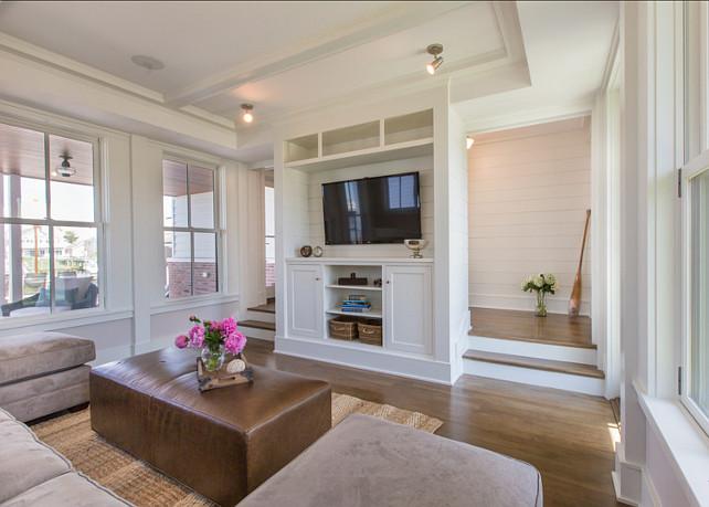 Family Room. Family Room Ideas. Modern Family Room Design. #FamilyRoom #ModernFamilyRoom
