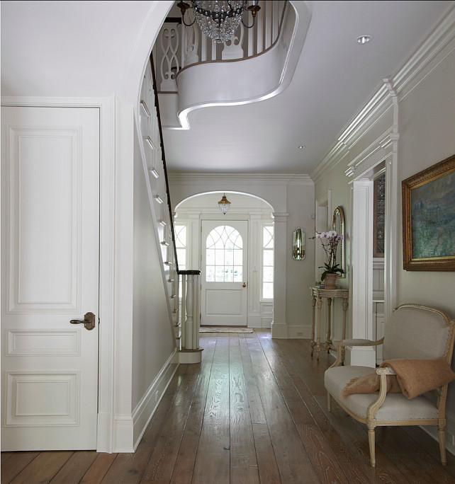 Foyer Design Ideas. Beautiful design ideas in this traditional foyer. #Foyer #Entryway #Traditional #Interiors