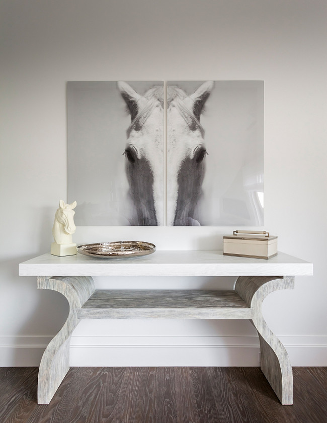 Foyer Horse artwork. Black and white horse artwork. Gray foyer with back and white horse artwork. #Horse #Artwork #Blackandwhite #Foyer Sofia Joelsson.
