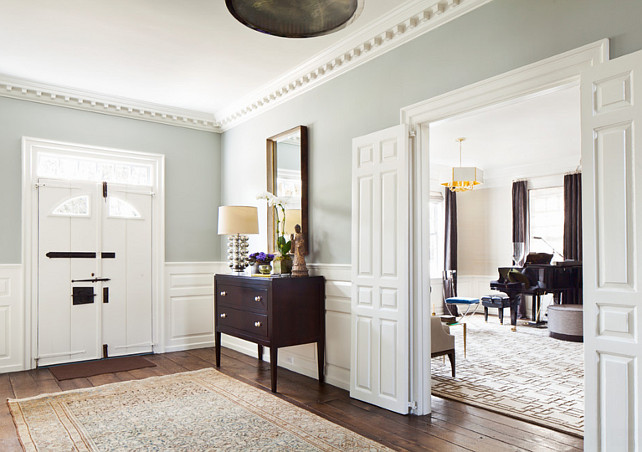 Foyer. Traditional Foyer Design Ideas. Foyer Decor. Foyer Paint Color. Foyer Furniture. #Foyer Alisberg Parker Architects.