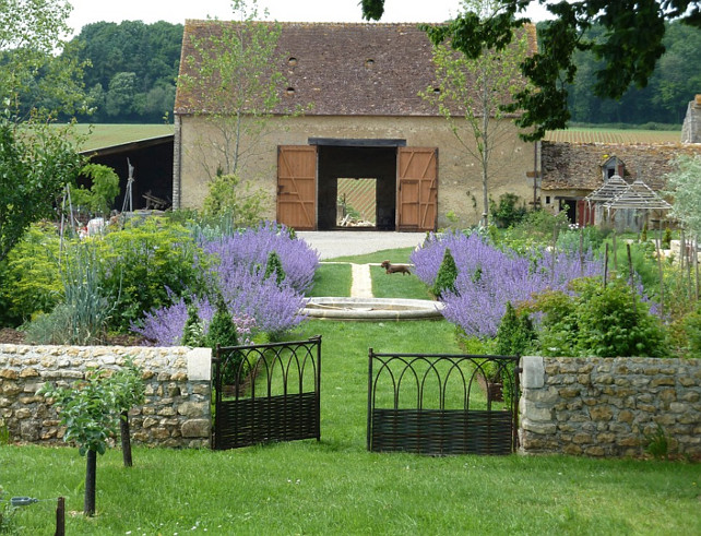 French Garden. French Garden Design. French Garden Ideas. French Garden Landscaping. #FrenchGarden  Chemilli, France Philippe DUBREUIL Jardiniste