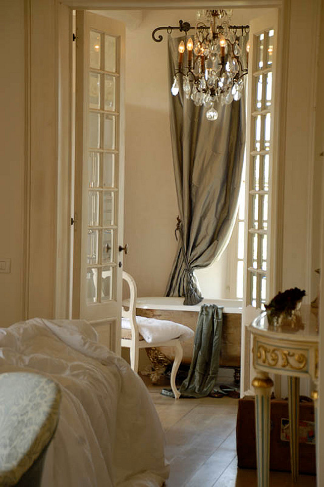 Bring A Touch Of 18th Century France To Your Bedroom