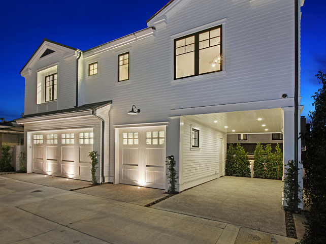Ultimate california beach house with coastal interiors for Guest house del garage