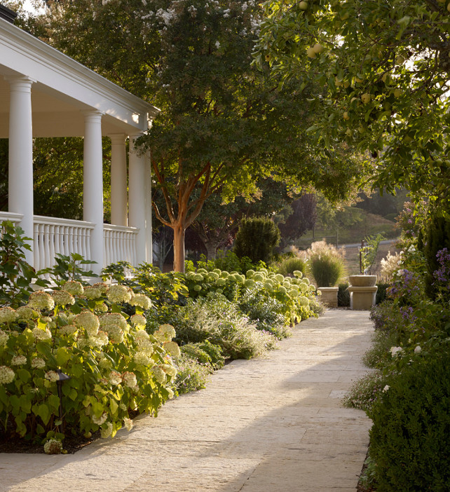 Garden Bed. Garden Bed Ideas. Front Yard Garden Bed Ideas. #GardenBeds #Garden #GardenIdeas #GardenBedIdeas Bevan Associates