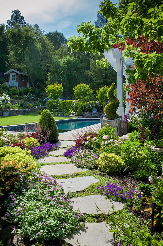 Garden Bed. Garden Bed Ideas. Pathway Garden Bed. #Garden #GardenBeds #PathwayGardenBeds #PathwayBeds David Thorne Landscape Architect.