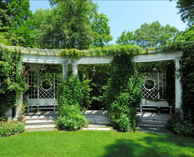 Garden Ideas. Inspiring traditional garden ideas. #Gardens