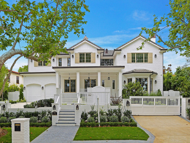 Home Exterior Paint Color Ideas. Benjamin White Dove Exterior. Benjamin White Dove OC-17. #BenjaminWhiteDove #ExteriorBenjaminWhiteDove Via Sotheby's Homes.
