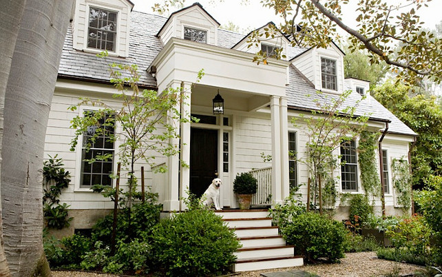 Home Exterior Paint Color. Benjamin Moore Swiss Coffee Exterior Paint Color. #BenjaminMooreSwissCoffee #HomeExteriorPaintColor Tim Barber.