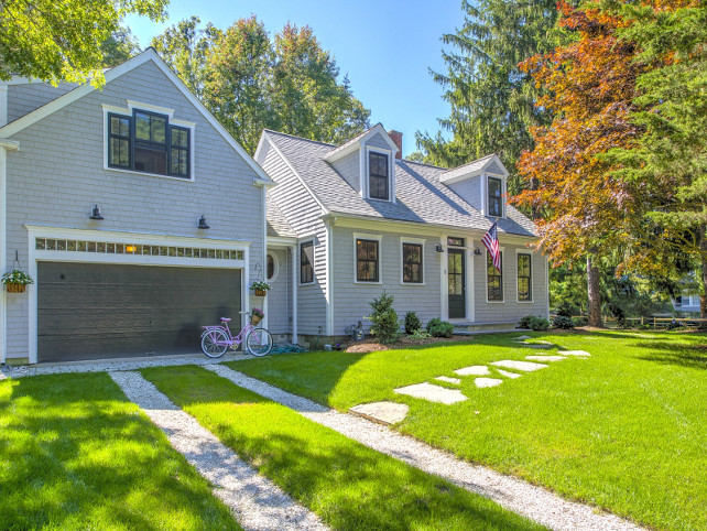 Home exterior with bonus room above garage. Home exterior with bonus room above garage ideas. House with bonus room above garage. #HomeExterior #bonusRoomAboveGarage Sotheby's Homes.