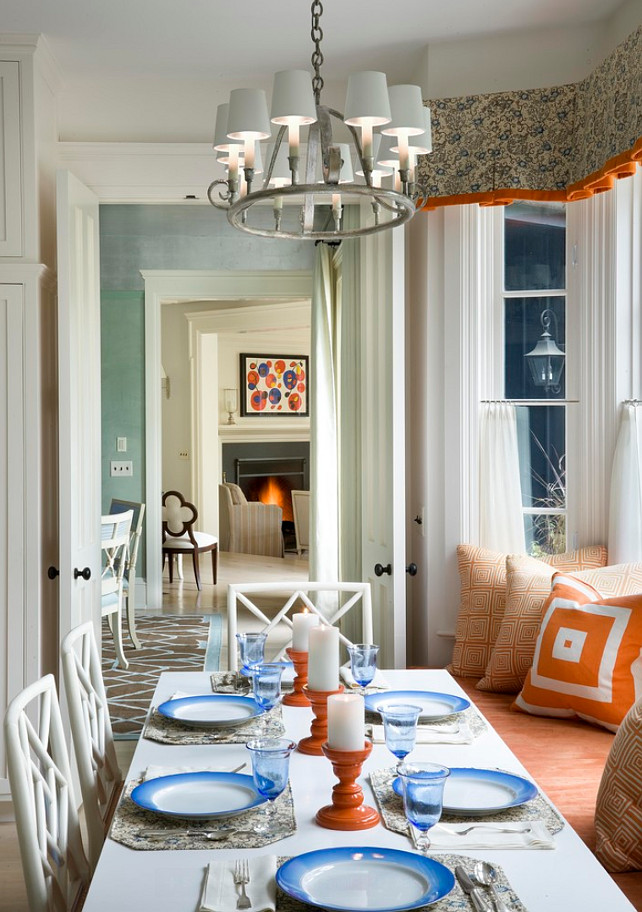 Eating Nook. This is a beautiful easting nook. Love the colors! #Eating #Nook