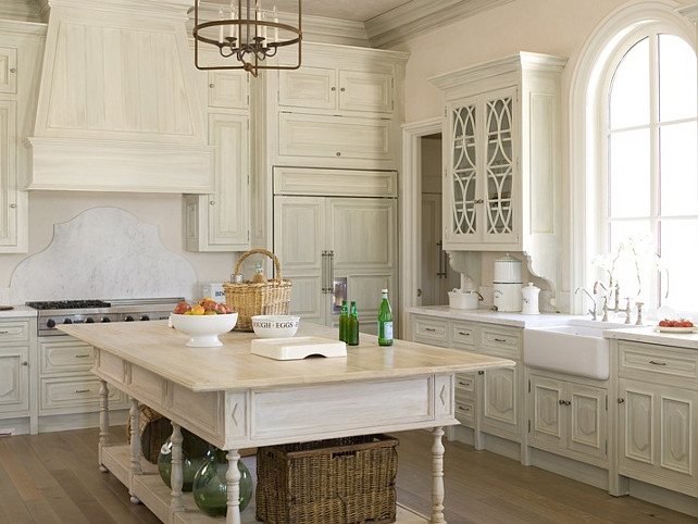 Ivory Kitchen. Ivory Kitchen Cabinet Paint Color. #IvoryKitchen #IvoryKitchenCabinet #IvoryKitchenIdeas Phoebe Howard.