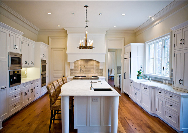 White Kitchen with Black Hardware. #WhiteKitchen #KitchenHardware
