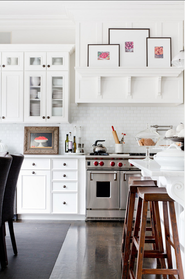 Kitchen Backsplash. Classic white subway tile kitchen backsplash. #KitchenBacksplash #Backsplash