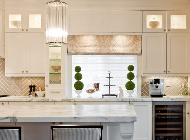 Kitchen Benjamin Moore Cloud White.  Benjamin Moore Cloud White. Benjamin Moore Cloud White Kitchen. #BenjaminMooreCloudWhite