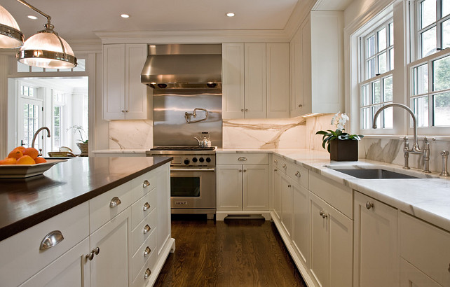 Kitchen Benjamin Moore Super White. Benjamin Moore Super White Kitchen. Benjamin Moore Super White. #BenjaminMooreSuperWhite #BenjaminMoore #SuperWhite Dalia Kitchen Design.