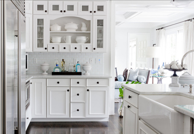 Kitchen Cabinet Ideas. White Kitchen Cabinet Design. #KitchenCabinet #WhiteKitchen