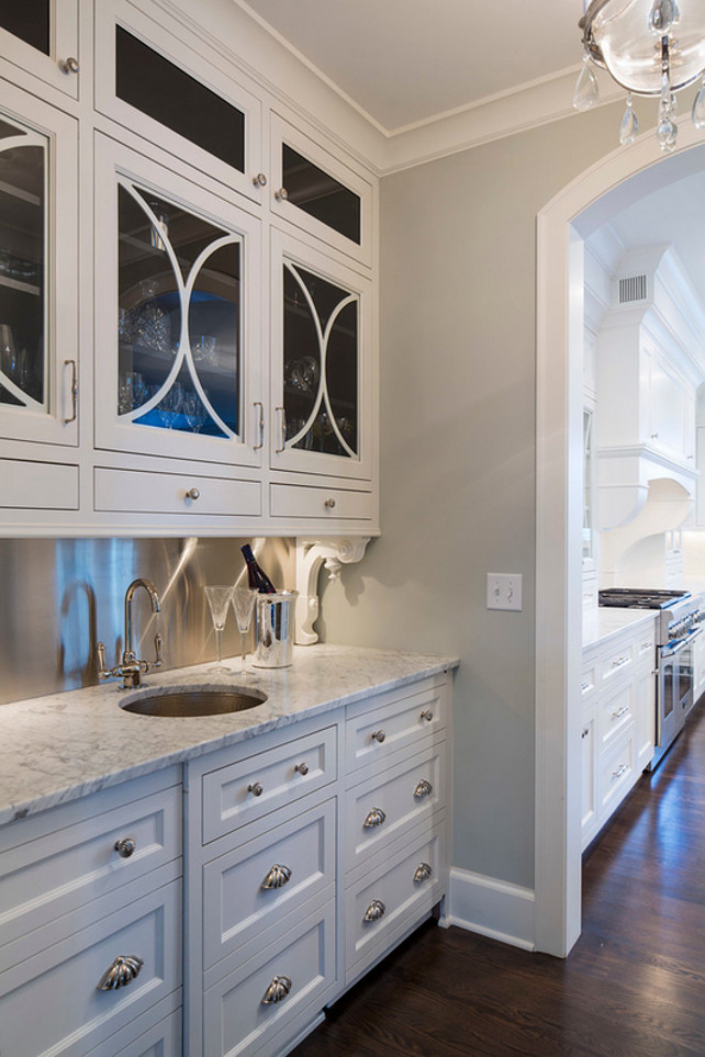 Kitchen Cabinet Simply White Benjamin Moore. Benjamin Moore OC-117 Simply White. #SimplyWhiteBenjaminMoore #BenjaminMooreSimplyWhite City Homes Design and Build, LLC