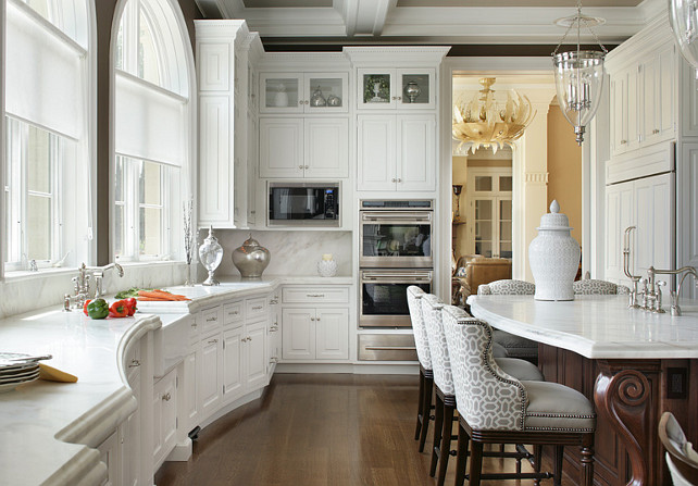 Kitchen Countertop Ideas. Traditional Kitchen Countertop Ideas. Kitchen with white marble countertop. Honed marble countertop kitchen.
