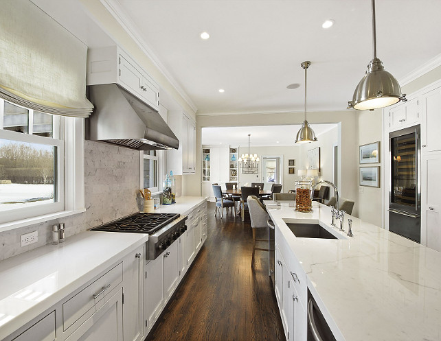 Kitchen Countertop. Kitchen Perimeter Countertop. Kitchen Island Countertop. Kitchen Perimeter Counter top Ideas. Kitchen Island counter top Ideas. #Kitchen #Countertop #Island #Perimeter Sotheby's Homes.