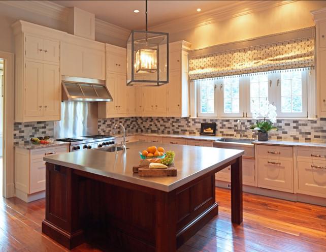 Kitchen Design Ideas. Classic cream white kitchen with large island. #WhiteKitchen #KitchenDesignIdeas