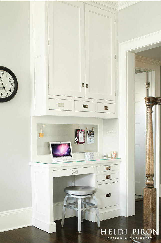 Transitional white kitchen home bunch interior design ideas for Desk in kitchen ideas