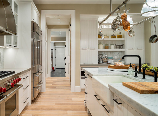 Kitchen Ideas. Kitchen Design Ideas. Kitchen hardware, cabinet and countertop ideas. #Kitchen