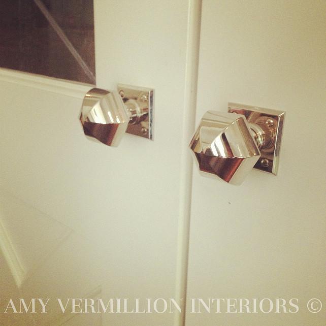 Kitchen Knobs. Kitchen knobs by Wilmette Hardware. #KitchenKnobs  Amy Vermillion Interiors