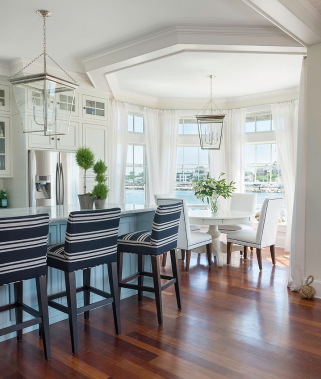 Homeinterior Lighting Ideas: Beach House With Airy Coastal Interiors