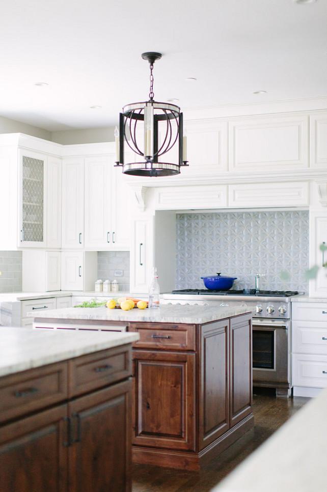 Kitchen Pendant. Kitchen Pendant Lighting. Kitchen pendants are from Visual Comfort. #Kitchen #pendant #Lighting #VisualComfort    Kate Marker Interiors.