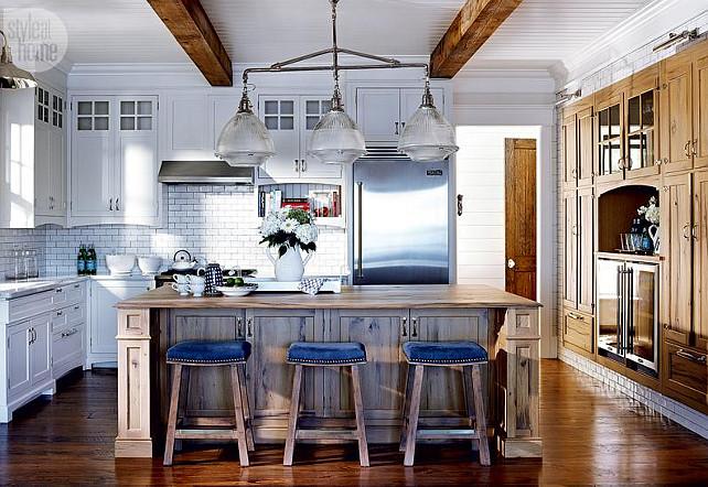 Kitchen. Beach Style Kitchen. Classic Coastal Kitchen. White kitchen. #Kitchen #ClassicKitchen