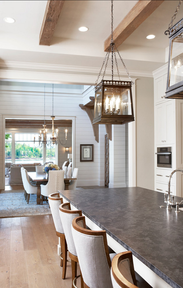 Lake House with Transitional Interiors - Home Bunch Interior ...